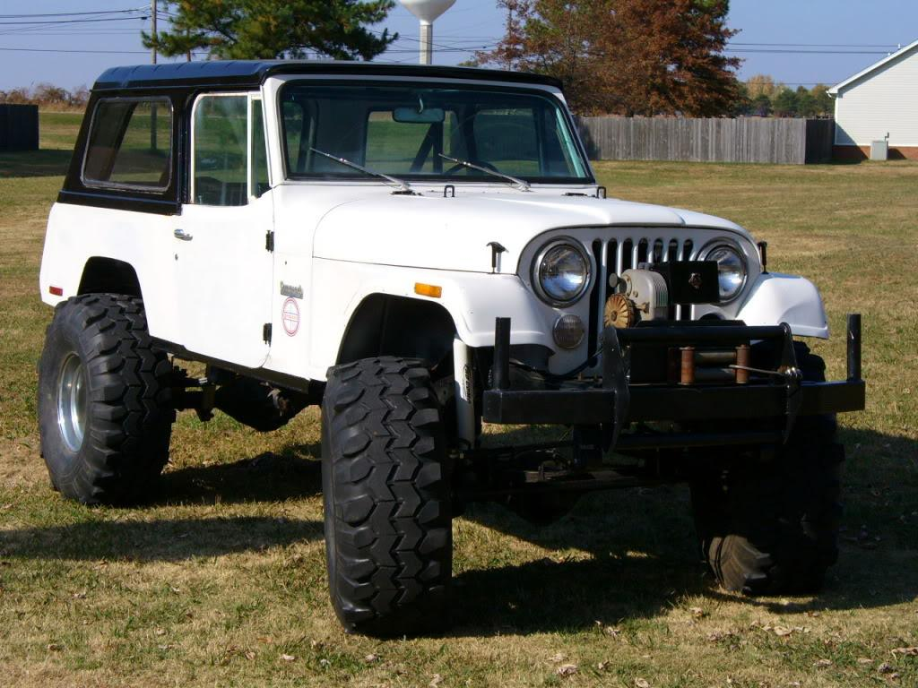 30 front 44 rear a 304 v8 and turbo 400 transmission and a 107 wheel base here is a picture of mine with a cj front clip before i cut it up